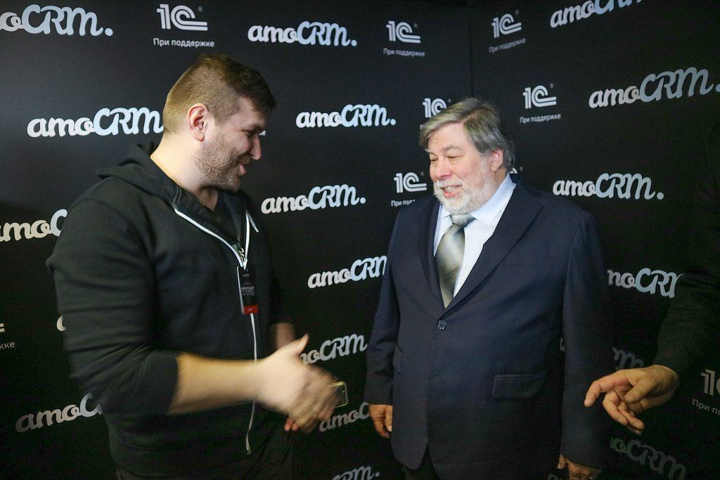Стив Возняк общается с Исаенко Алексеем на #амоконф